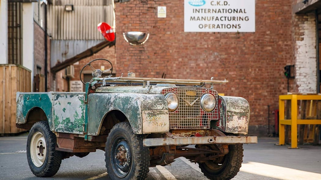 Unrestored Land Rover Series 1 front 3/4