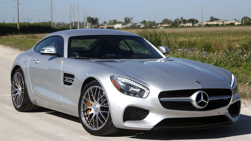 Mercedes-AMG GT S front 3/4 view