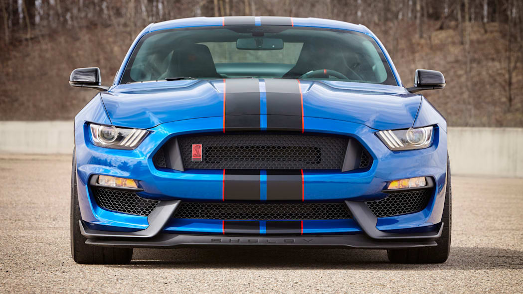 2017 Ford Shelby GT350R Mustang front