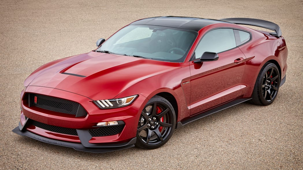 2017 Ford Shelby GT350R Mustang red side