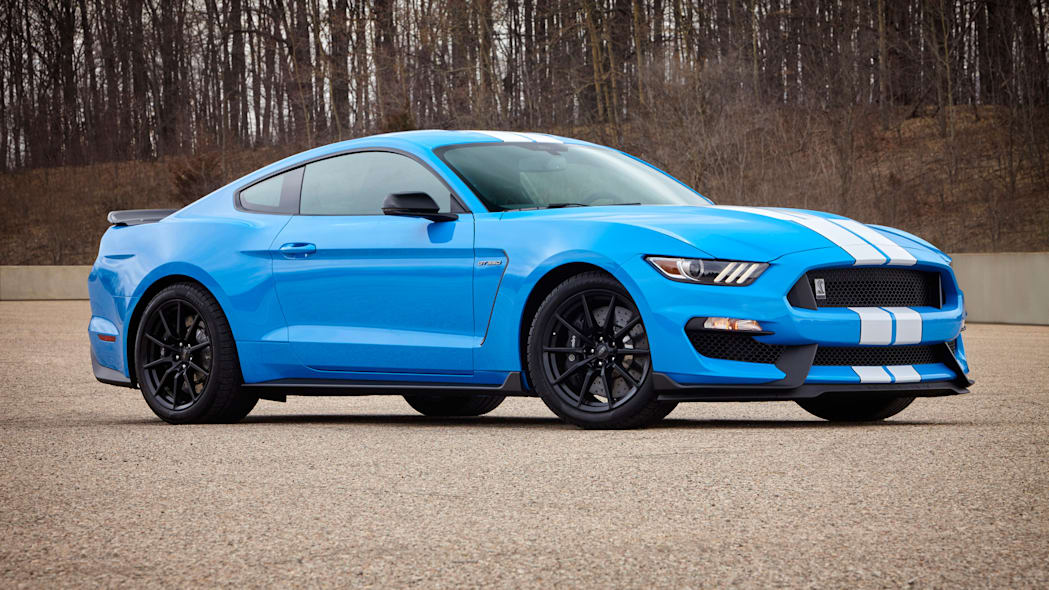 2017 Ford Shelby GT350 Mustang side