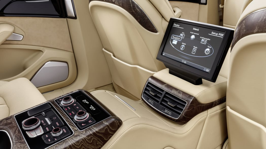 audi a8l extended infotainment