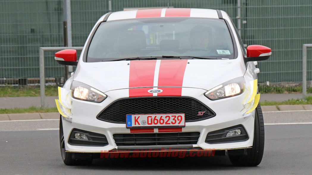 Ford Focus ST280 prototype spied front