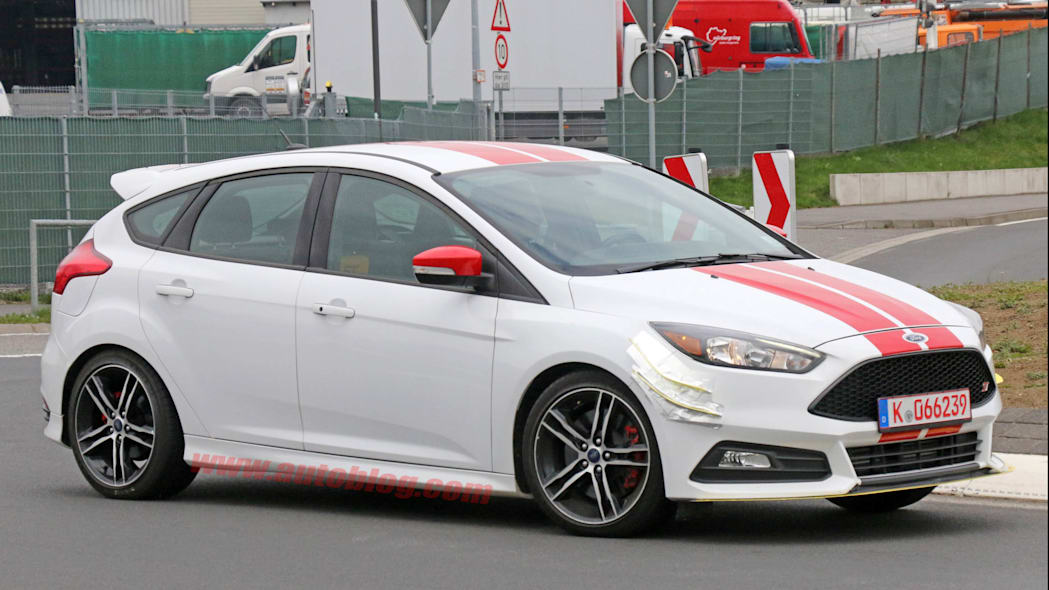 Ford Focus ST280 prototype front 3/4