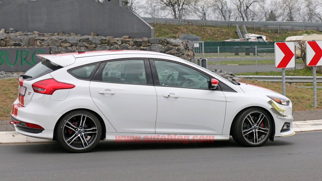 Ford Focus ST280 prototype side