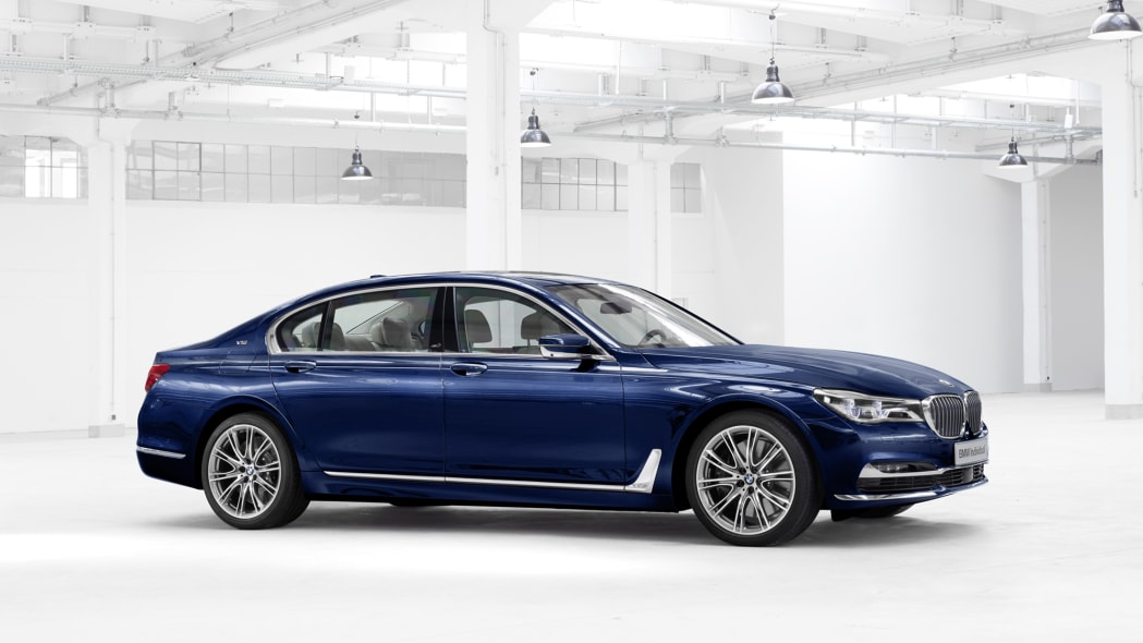 BMW M760i xDrive The Next 100 Years Edition front 3/4 studio