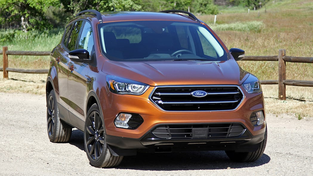 2017 Ford Escape front 3/4 view