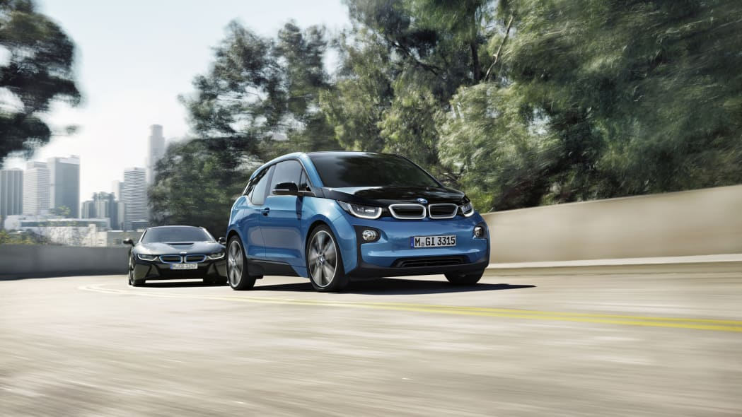 2017 BMW i3 front 3/4 view with i8 behind