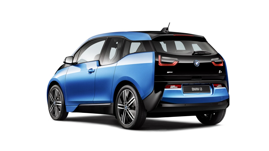 2017 BMW i3 rear 3/4 view