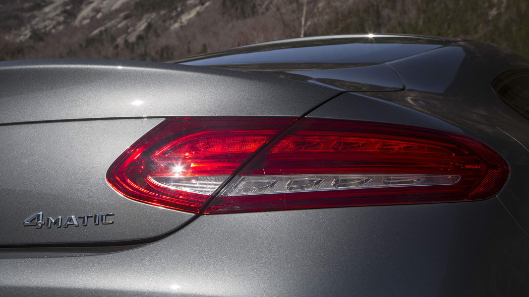 2017 Mercedes-Benz C300 Coupe taillight