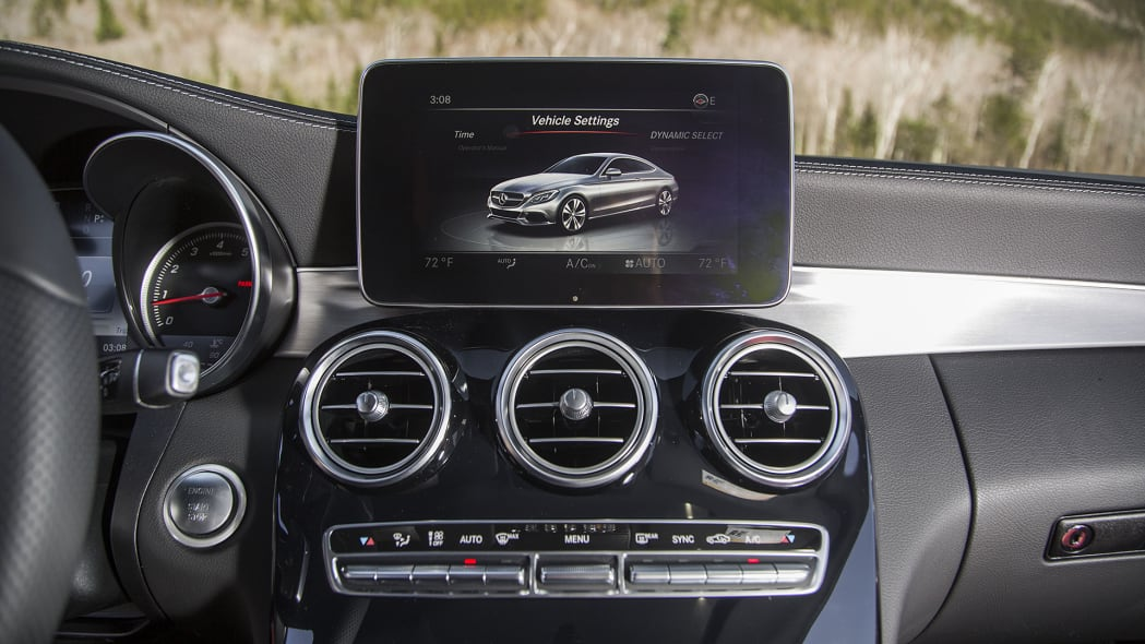 2017 Mercedes-Benz C300 Coupe instrument panel