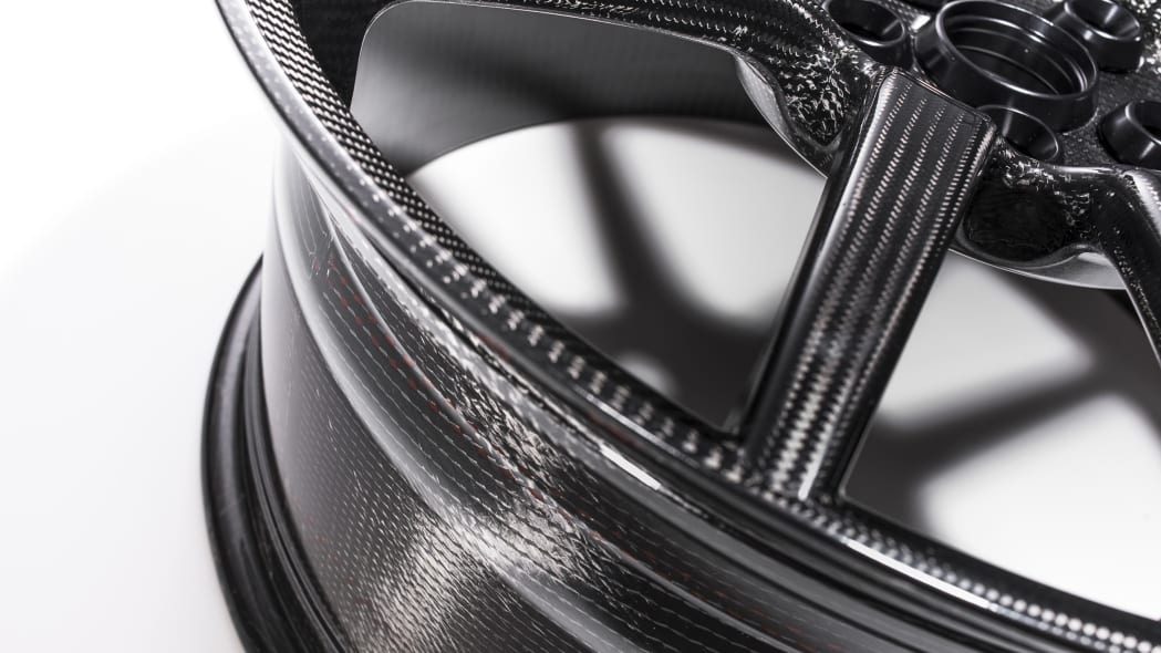 Ford GT carbon-fiber wheel