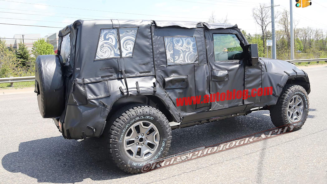 2018 jeep wrangler unlimited spy photo side top
