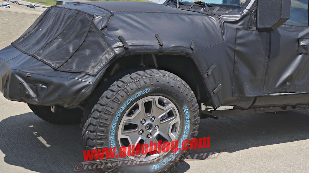 2018 jeep wrangler unlimited spy pic hood