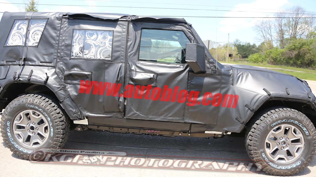 2018 jeep wrangler unlimited spy photo driving
