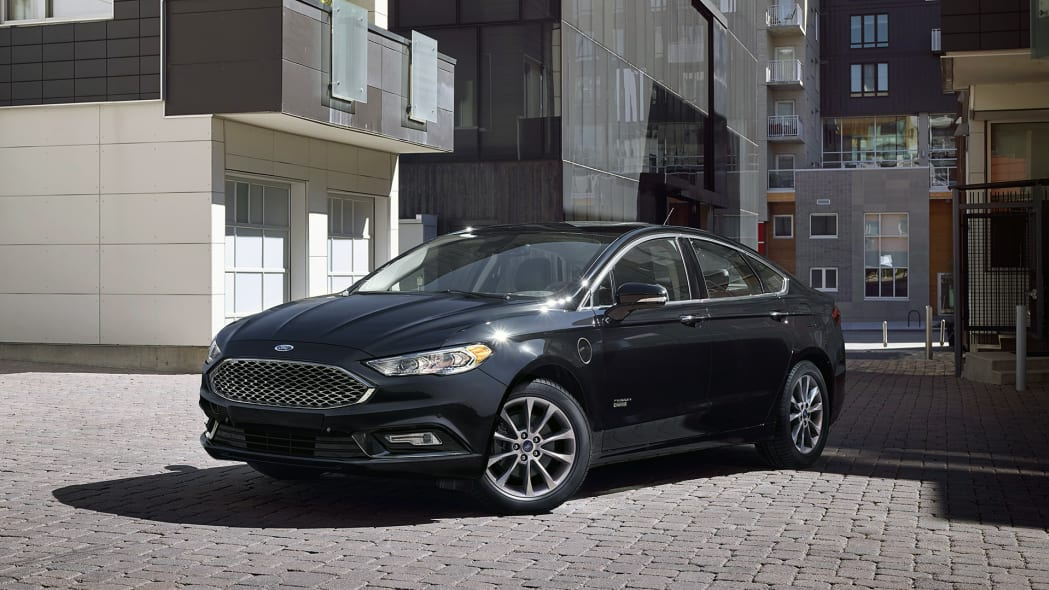 2017 Ford Fusion front 3/4 view