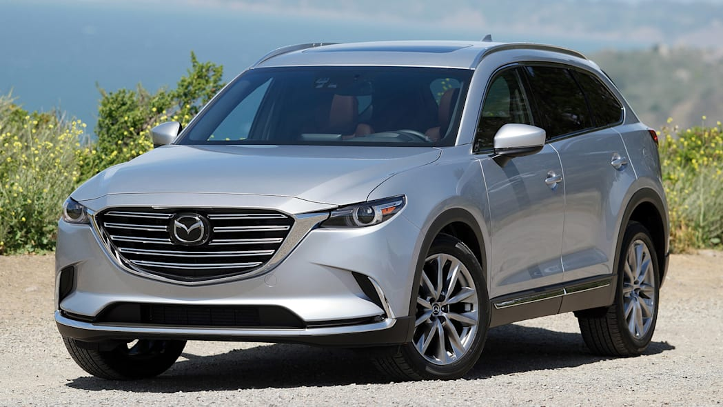 2016 Mazda CX-9 front 3/4 view