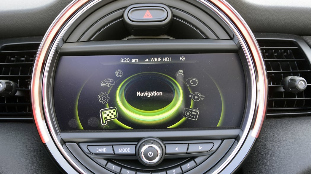 2017 Mini Cooper Convertible infotainment system