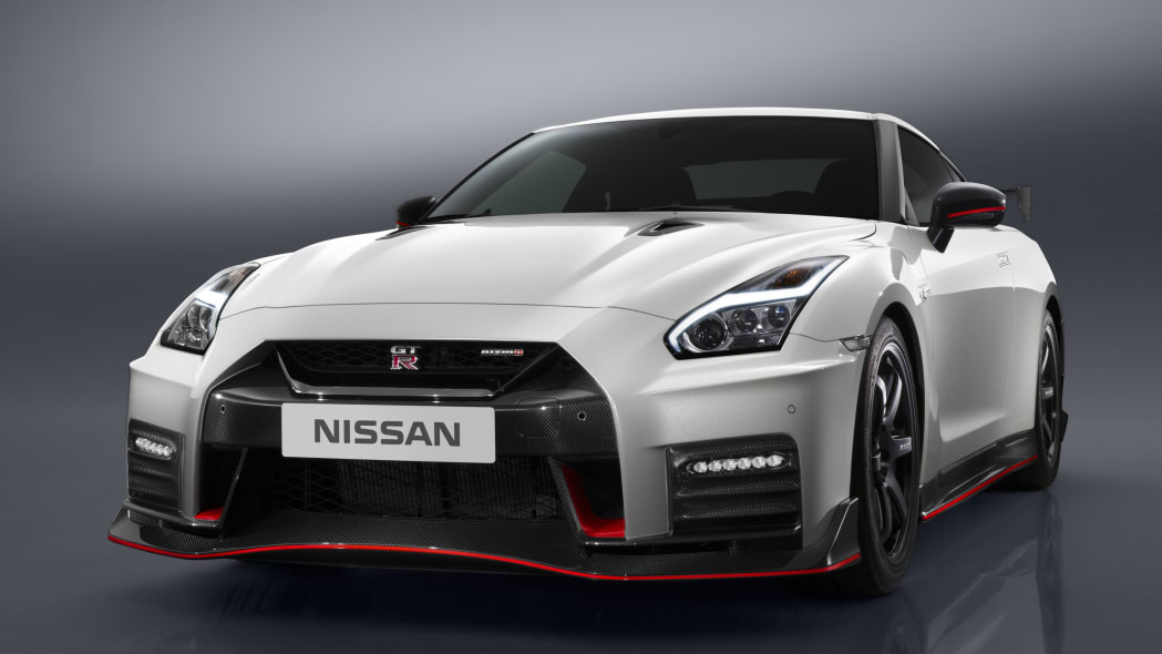 2017 nissan gt-r nismo hood scoops white