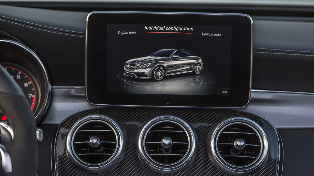 2017 Mercedes-AMG C63 S Cabriolet infotainment system