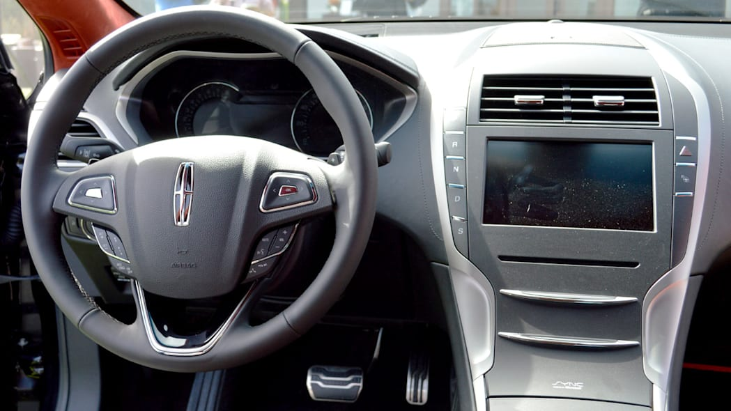 lincoln-mkz-blakc-label-live-04