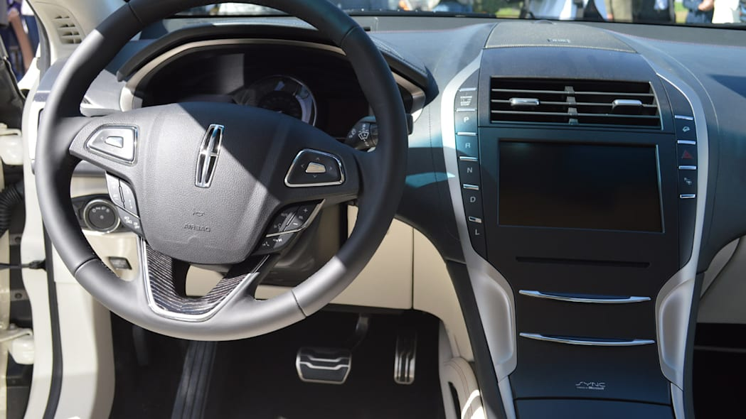 lincoln-mkz-blakc-label-live-14