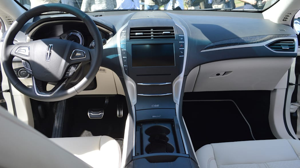 lincoln-mkz-blakc-label-live-15