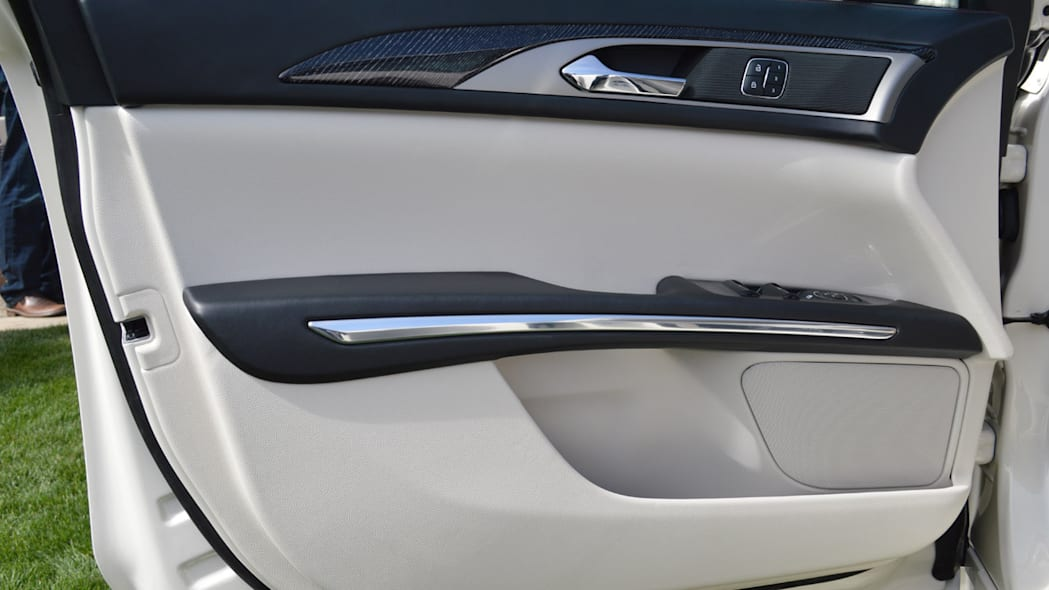 lincoln-mkz-blakc-label-live-16