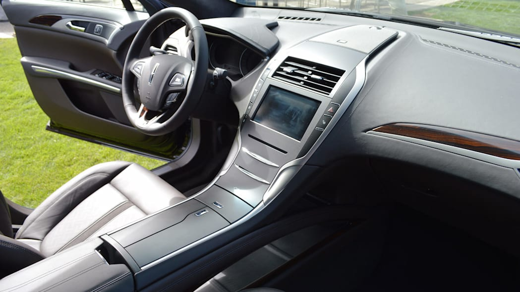 lincoln-mkz-blakc-label-live-27