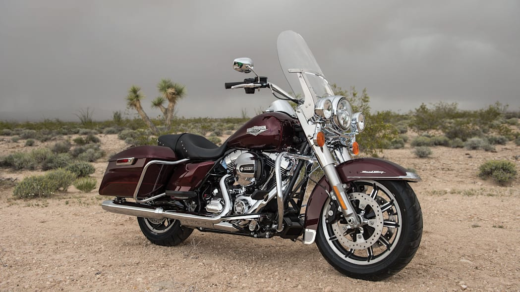 2014-Harley-Davidson-Touring-Project-RUSHMORE-000