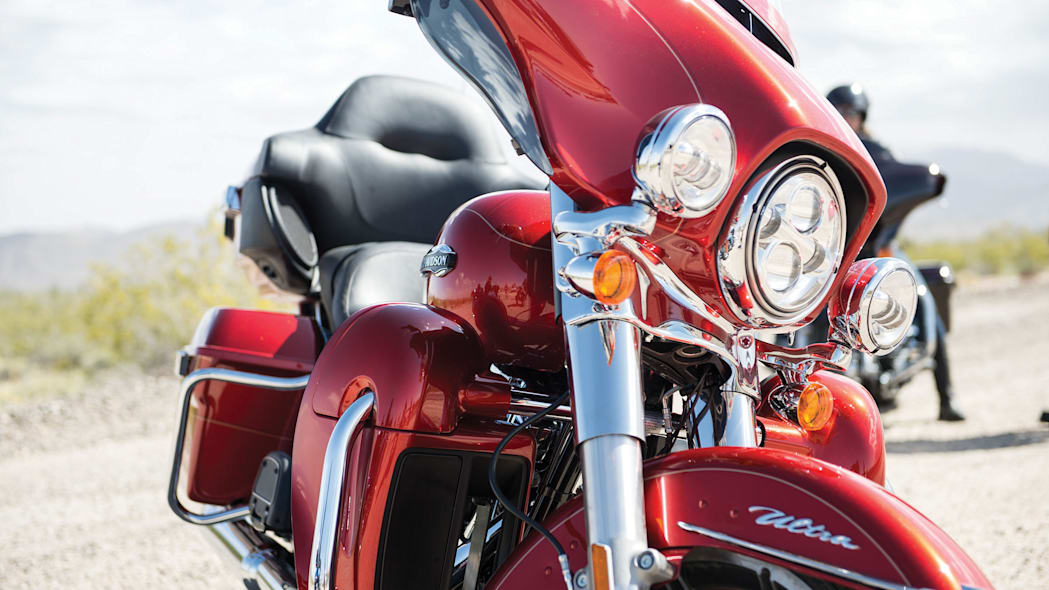 2014-Harley-Davidson-Touring-Project-RUSHMORE-005