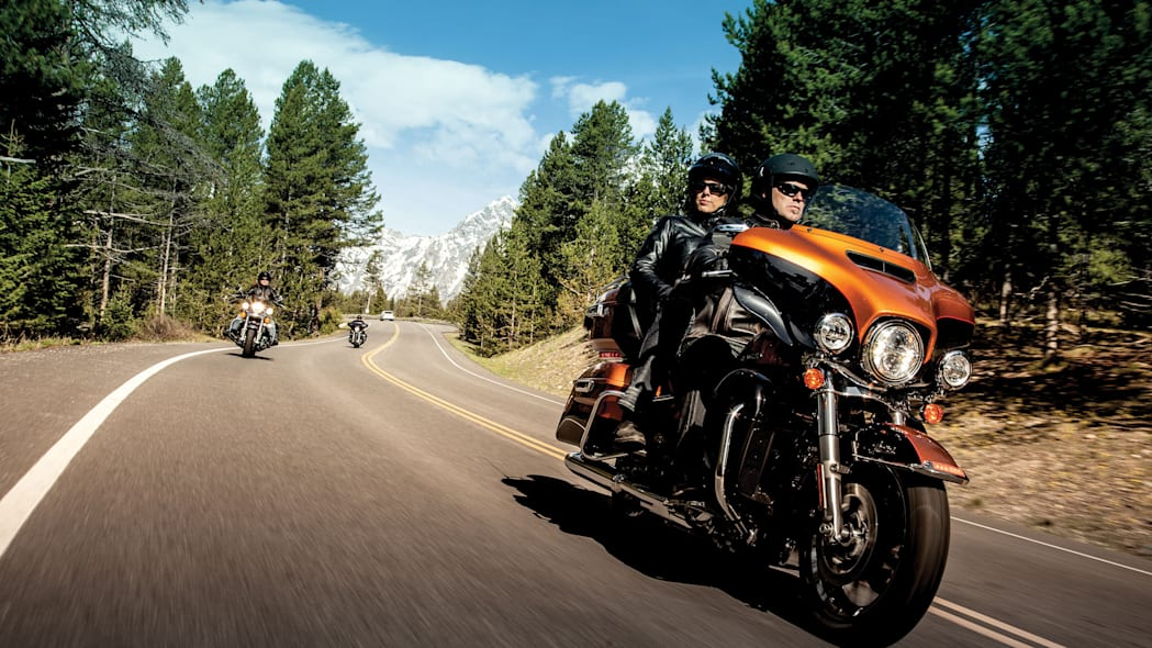 2014-Harley-Davidson-Touring-Project-RUSHMORE-007