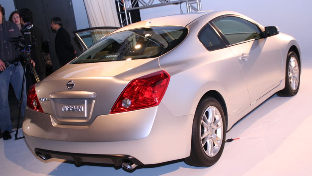 Hmm... Altima Convertible in the works? | Autoblog