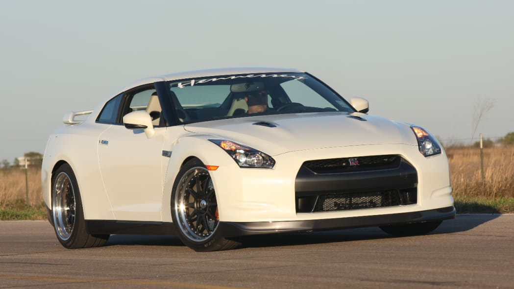 VIDEO: Hennessey GTR700 rips 2.8s 0-60 with launch control ...