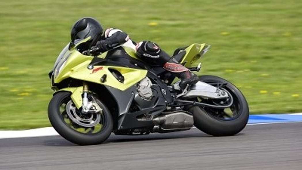Video: BMW S 1000 RR valvetrain at full bore shocks and ...