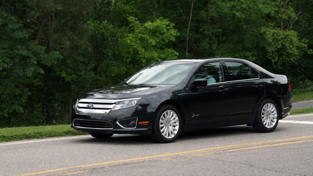 2010fordfusionhybrid_review011