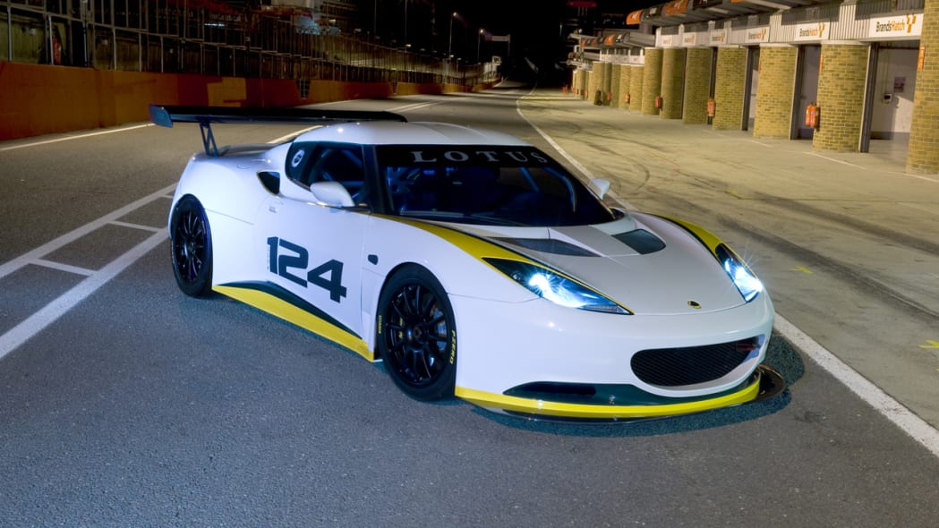 lotus_evora_type_124_front_3qtrs_static_1