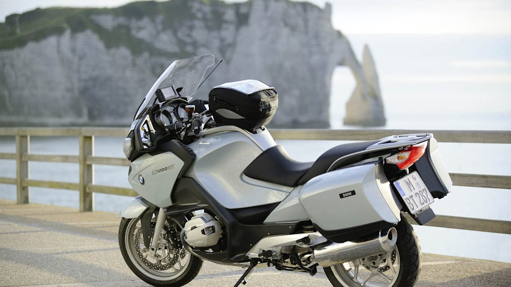 bmw updates 2010 r 1200 rt with dohc engine revised fairing and esa ii autoblog. Black Bedroom Furniture Sets. Home Design Ideas