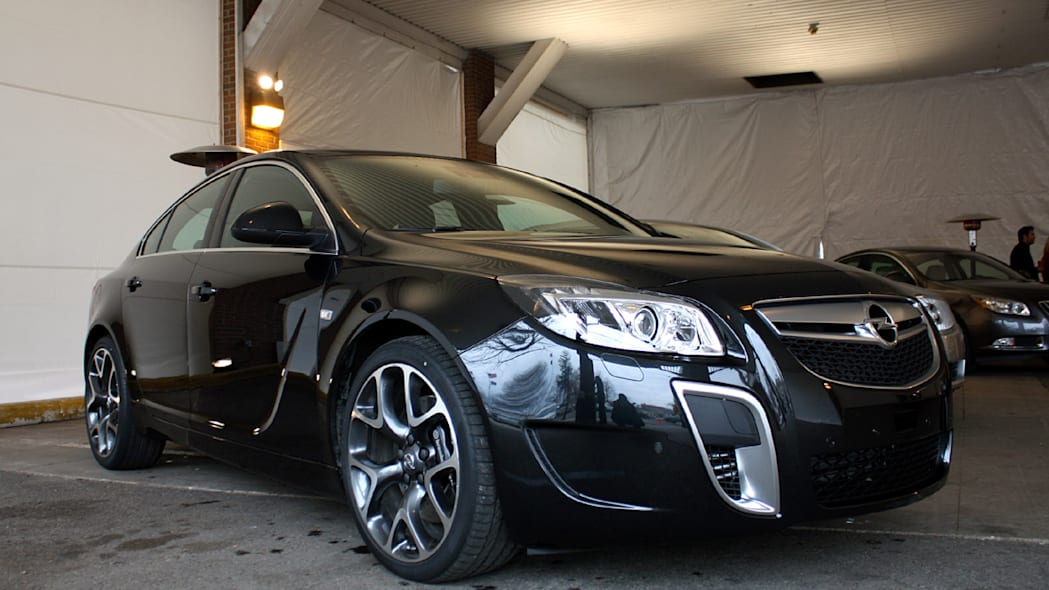First Drive: 2011 Buick Regal Photo Gallery - Autoblog