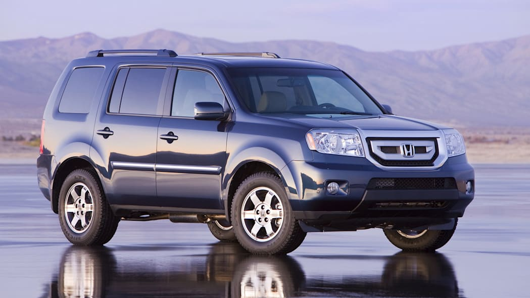 """KBB lists its """"most researched"""" new cars and trucks in ..."""