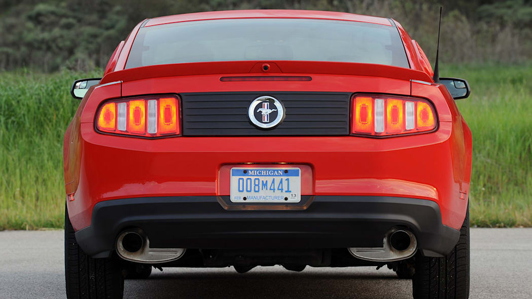 Consumer Reports Picks Side In V6 Pony Car Wars Autoblog