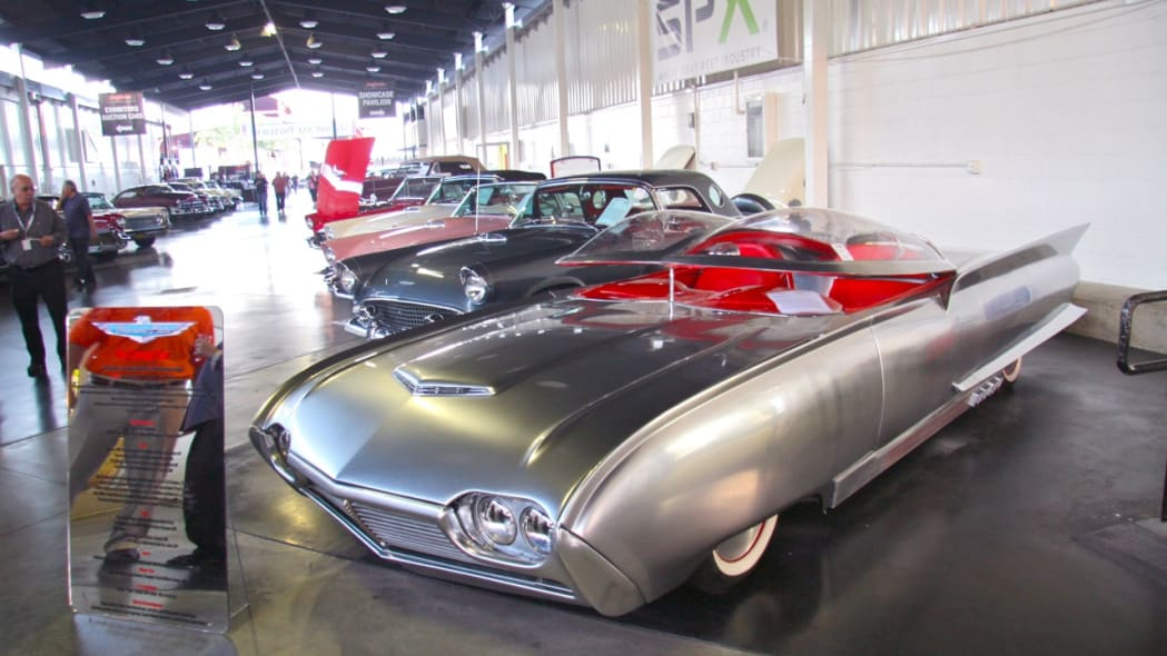 '61 Ford Thunderbird-based Thunderflite custom
