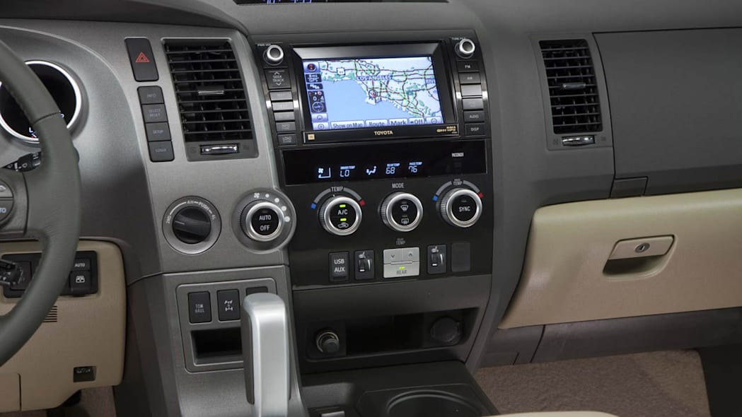 Toyota Sequoia Dumps 4 6l V8 For 2013 Adds Blu Ray Player