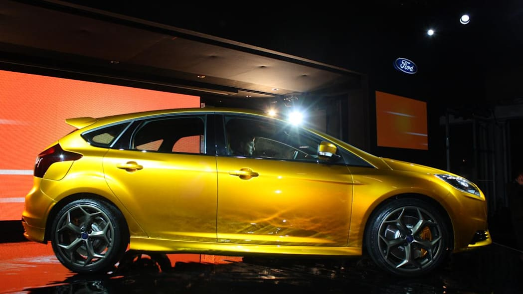 2012 Ford Focus ST profile