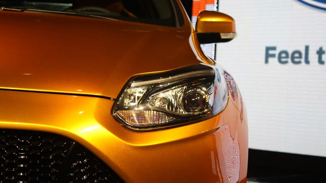 2012 Ford Focus ST front head lamp