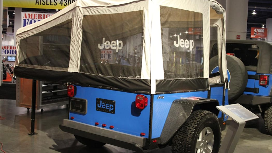 """Jeep Wrangler """"The General"""" with trailer"""