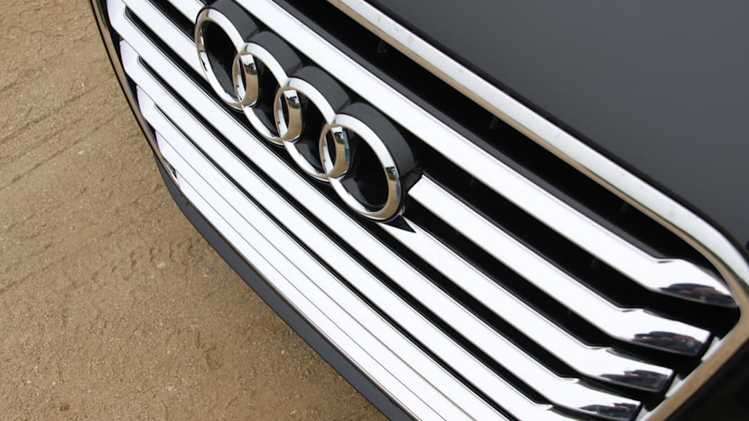2011 Audi A8 grille