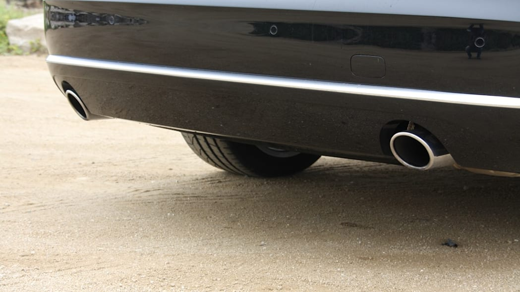 2011 Audi A8 exhaust pipes