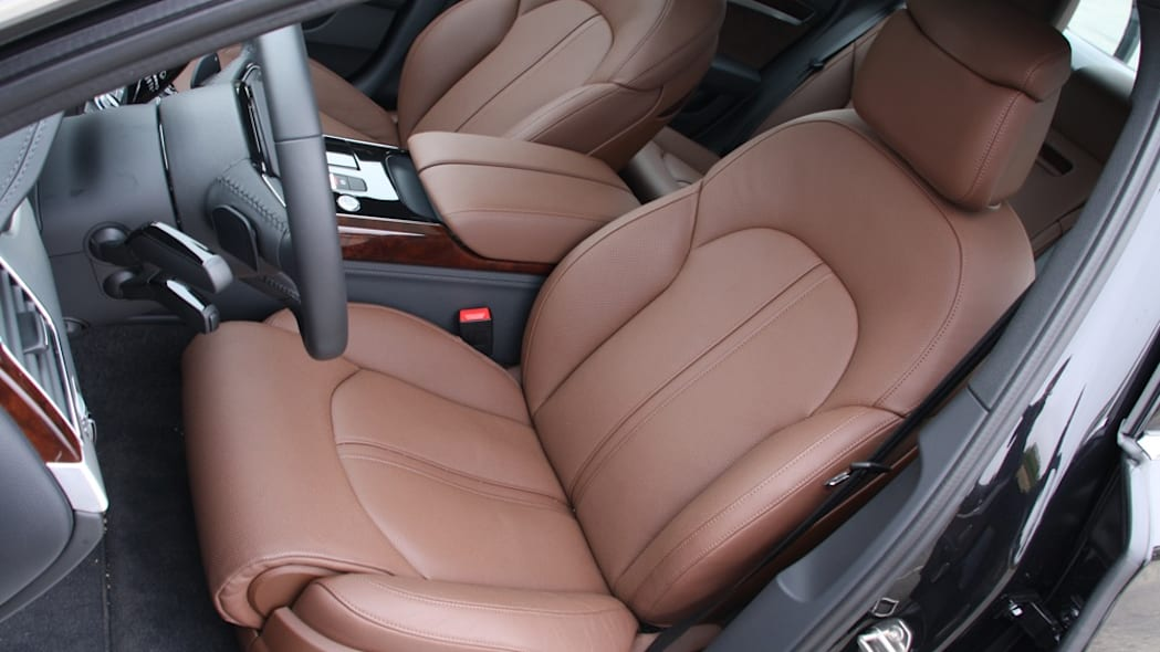 2011 Audi A8 front seat