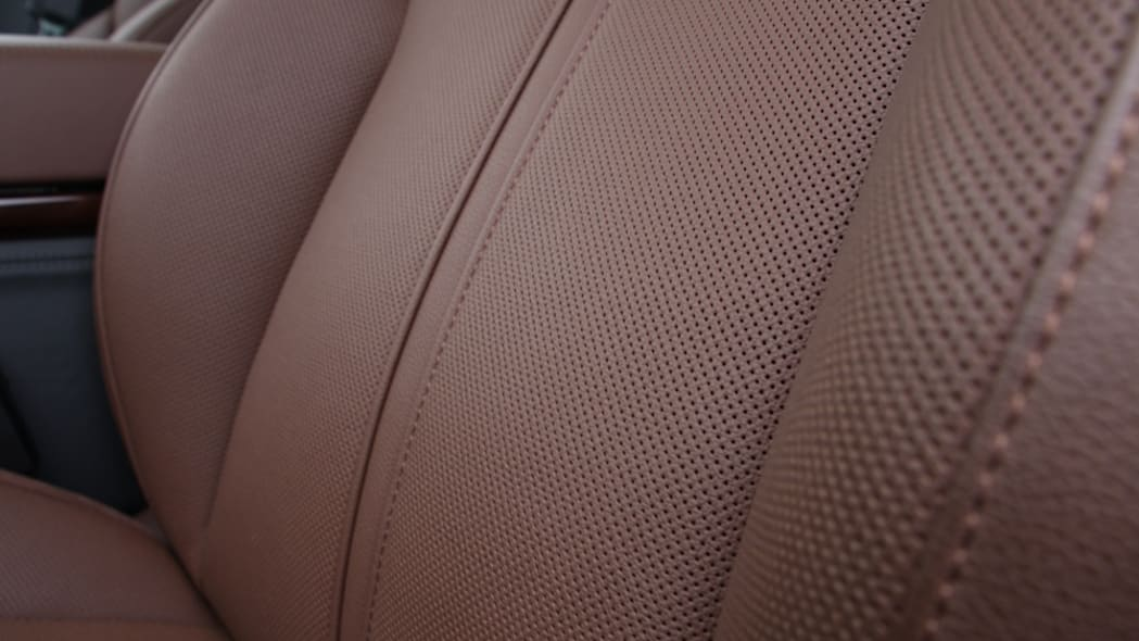 2011 Audi A8 front seat leather